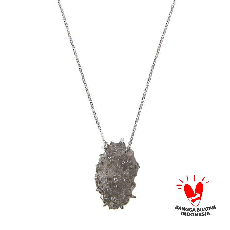 Environmental Jewelry Ouval Grey Stone with Silver Chain Necklace