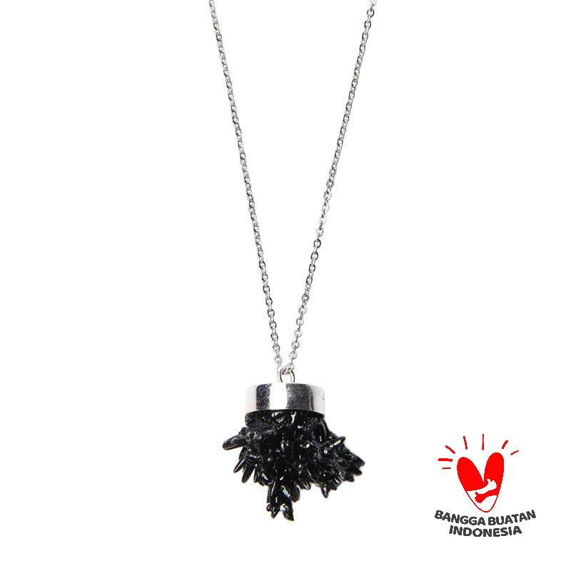 Environmental Jewelry Round Black Stone With Long Silver Chain Necklace