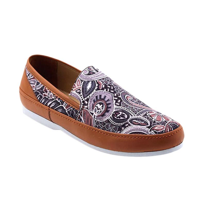 Ftale Footwear Livia Mens Shoes Sepatu Pria - Batik Gum