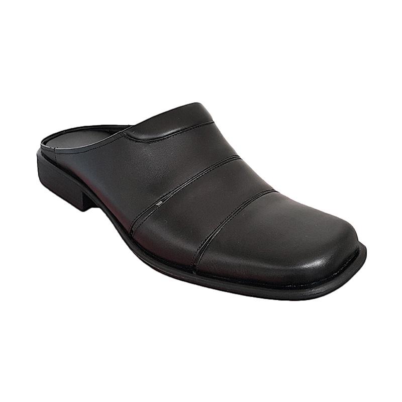 Handymen SB 322 Black Sandal Pria