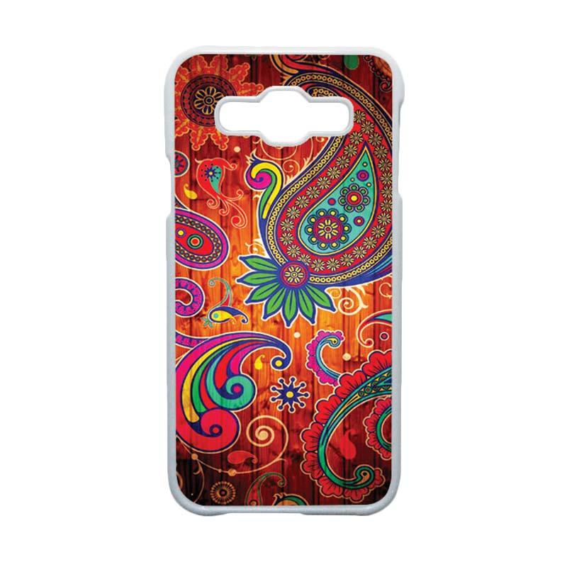 HEAVENCASE  Motif Batik Bunga Unik Paisley 09 Hardcase Casing for Samsung Galaxy E5 - Putih