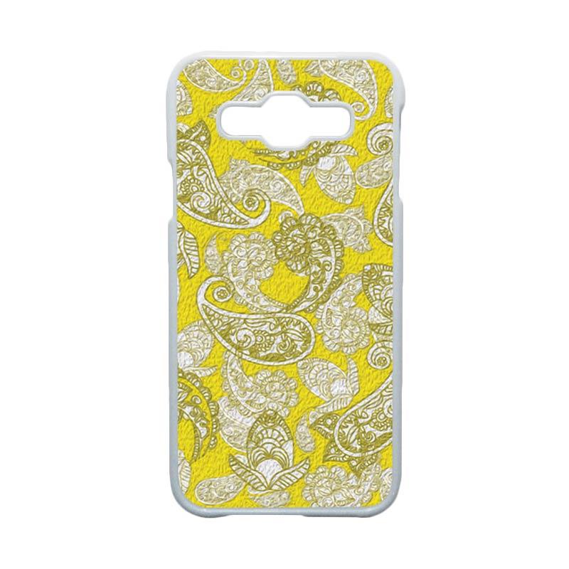HEAVENCASE  Motif Batik Bunga Unik Paisley 10 Hardcase Casing for Samsung Galaxy E5 - Putih