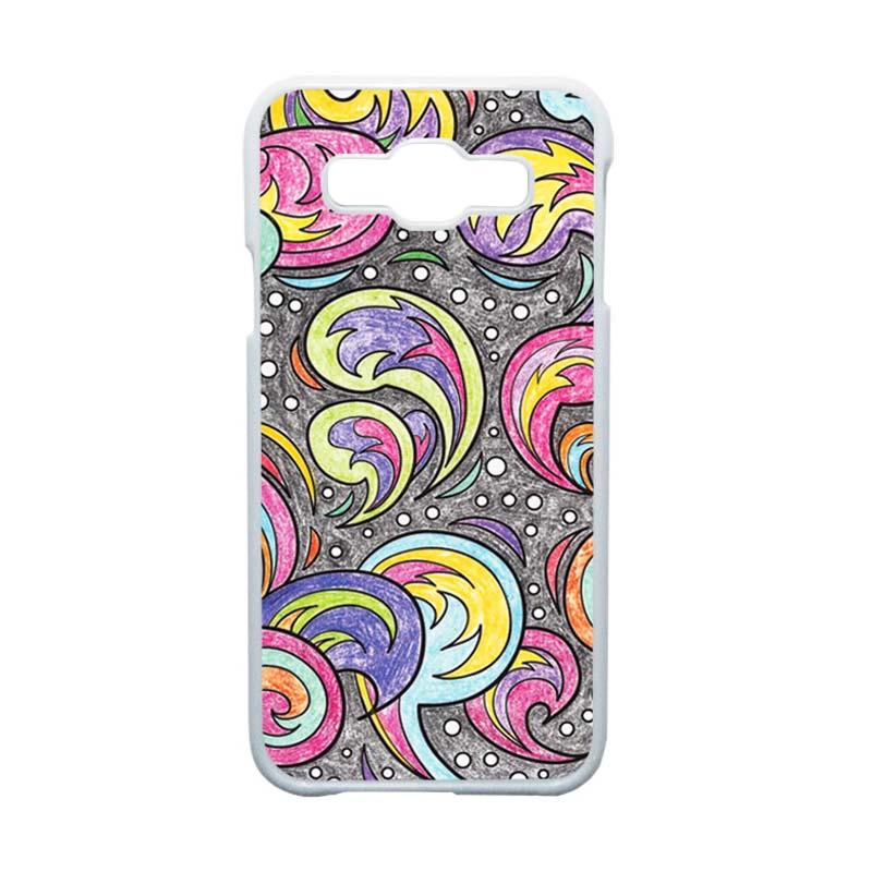 HEAVENCASE Motif Batik Bunga Unik Paisley 01 Hardcase Casing for Samsung Galaxy E5 - Putih
