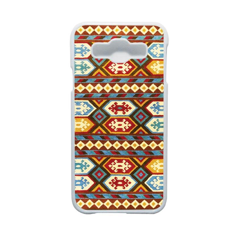 HEAVENCASE Motif Batik Bunga Unik Tribal 01 Hardcase Casing for Samsung Galaxy E5 - Putih