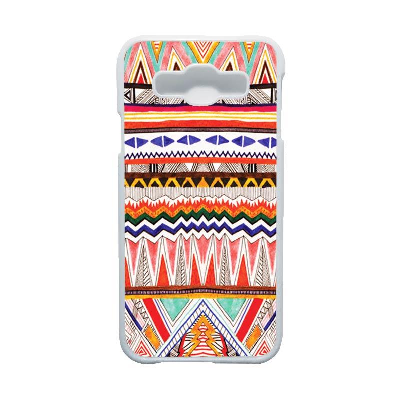 HEAVENCASE Motif Batik Bunga Unik Tribal 02 Hardcase Casing for Samsung Galaxy E5 - Putih