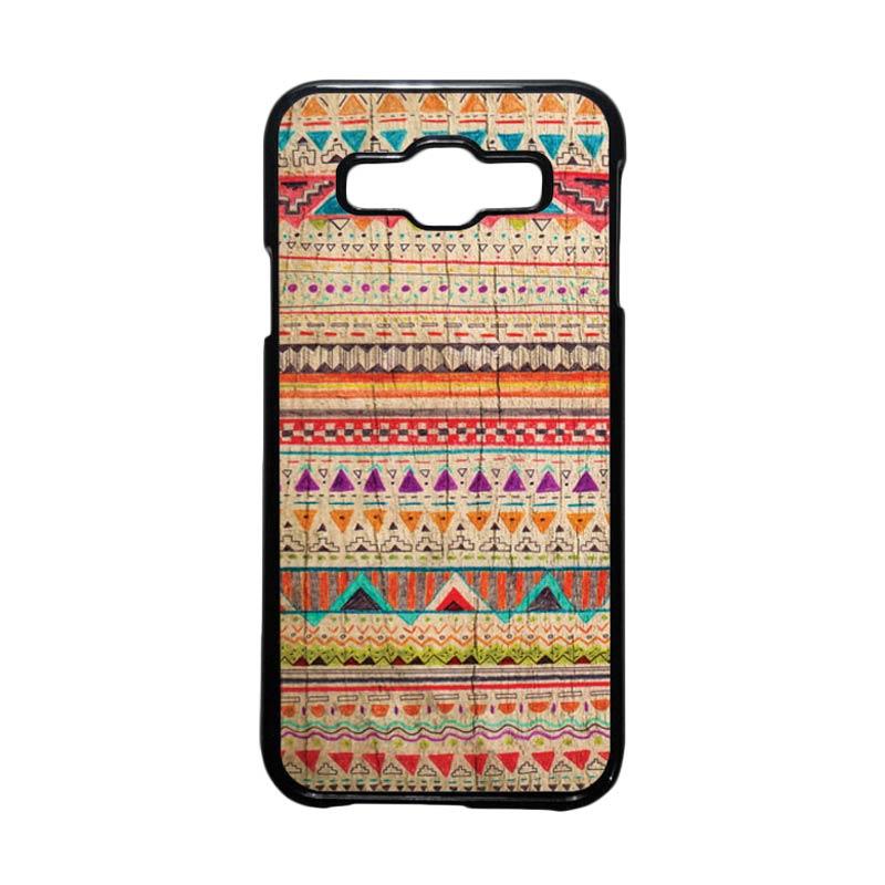 HEAVENCASE Motif Batik Bunga Unik Tribal 03 Hardcase Casing for Samsung Galaxy E5 - Hitam