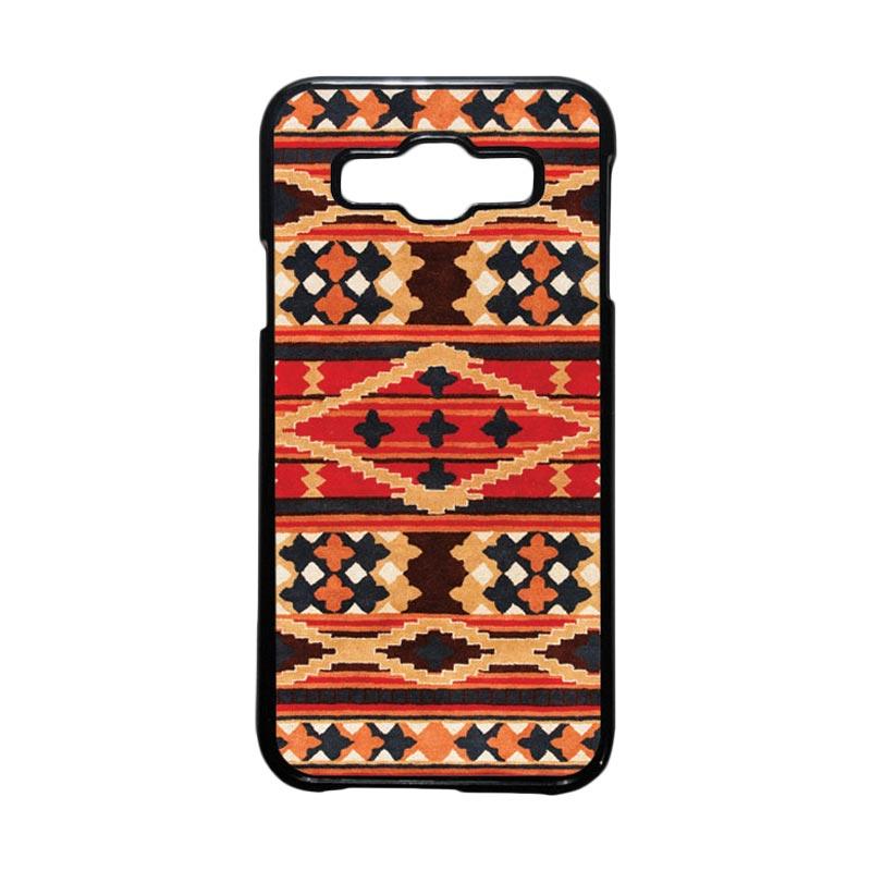 HEAVENCASE Motif Batik Bunga Unik Tribal 04 Hardcase Casing for Samsung Galaxy E5 - Hitam