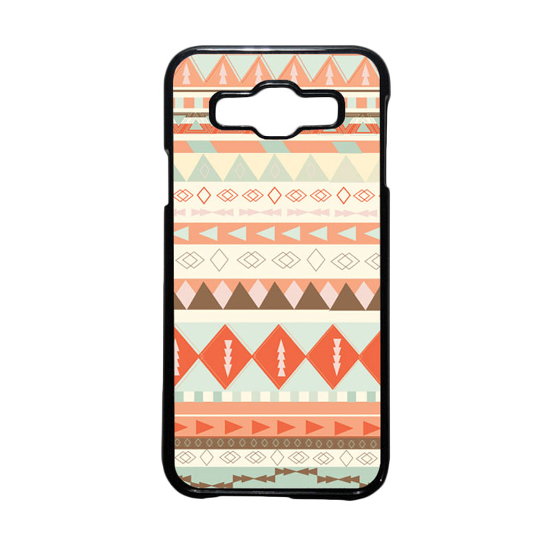 HEAVENCASE Motif Batik Bunga Unik Tribal 10 Hardcase Casing for Samsung Galaxy E5 - Hitam
