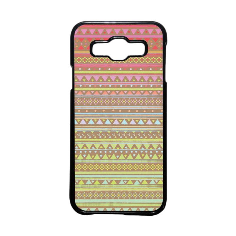 HEAVENCASE Motif Batik Bunga Unik Tribal 14 Hardcase Casing for Samsung Galaxy E5 - Hitam