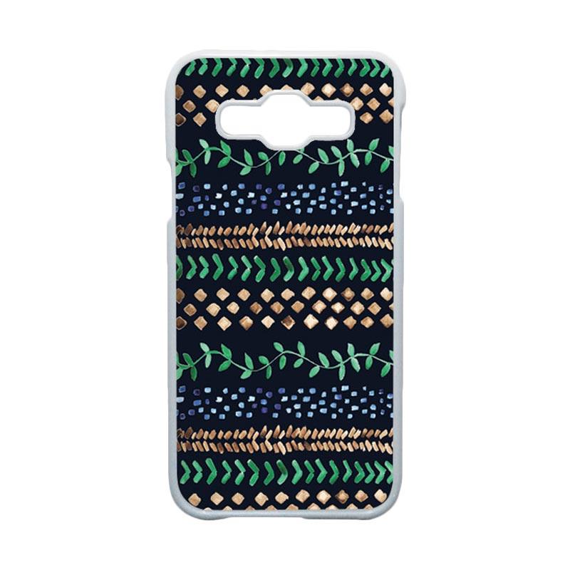 HEAVENCASE Motif Batik Bunga Unik Tribal 18 Hardcase Casing for Samsung Galaxy E5 - Putih