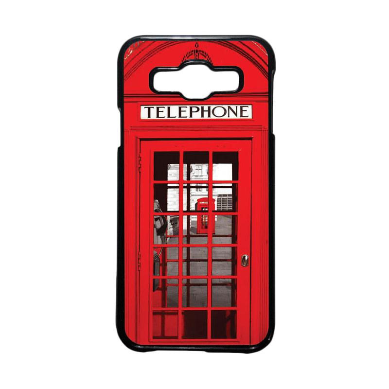 HEAVENCASE Motif Unik Red Telephone Box Casing for Samsung Galaxy E5 - Hitam