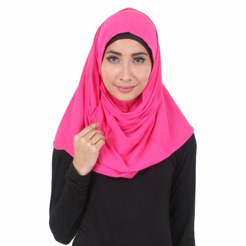 House of Deyna Kerudung Instan Plain Pink