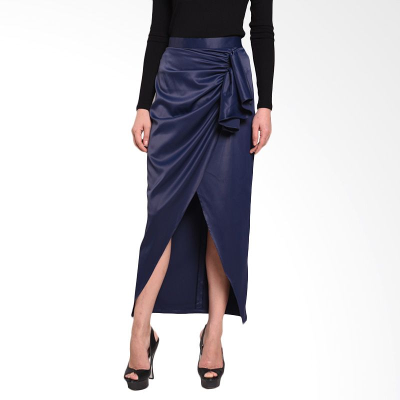 0f490af2bb Harga Ussy House of Collection Aquila Navy Skirt - PriceNia.com