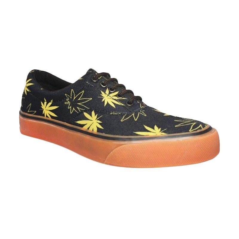 D-Island Shoes Motif Rege Low Canvas Black Sepatu Pria