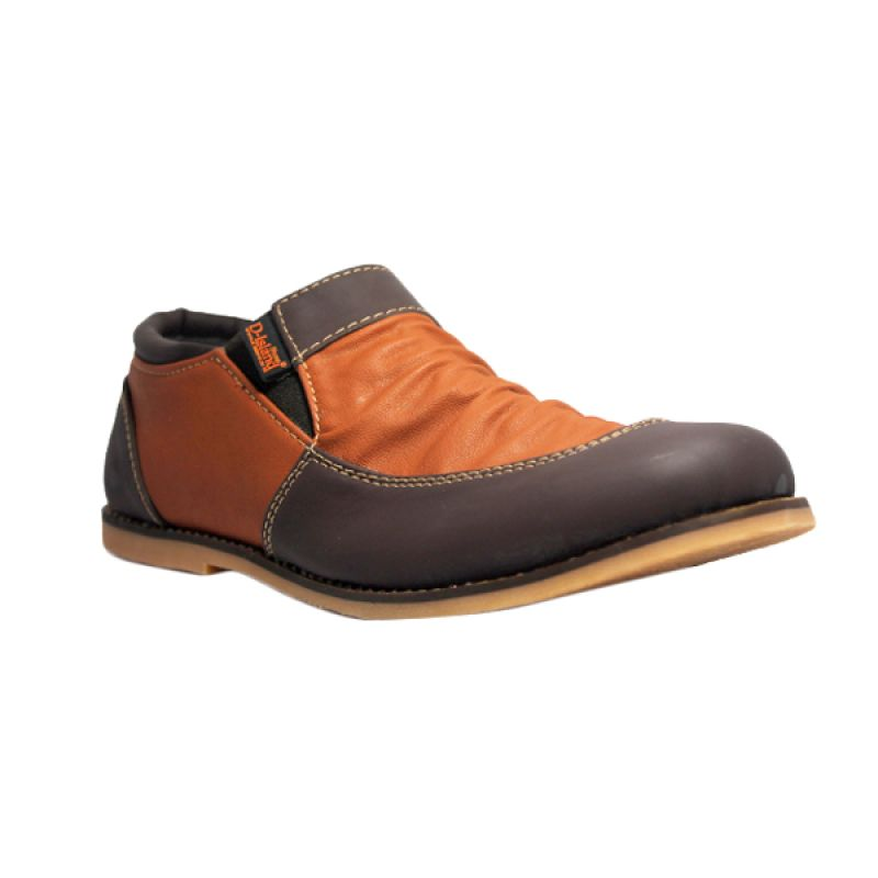 D-Island Shoes Slip On Vintage Wrinkle Leather Dark Brown Sepatu Pria
