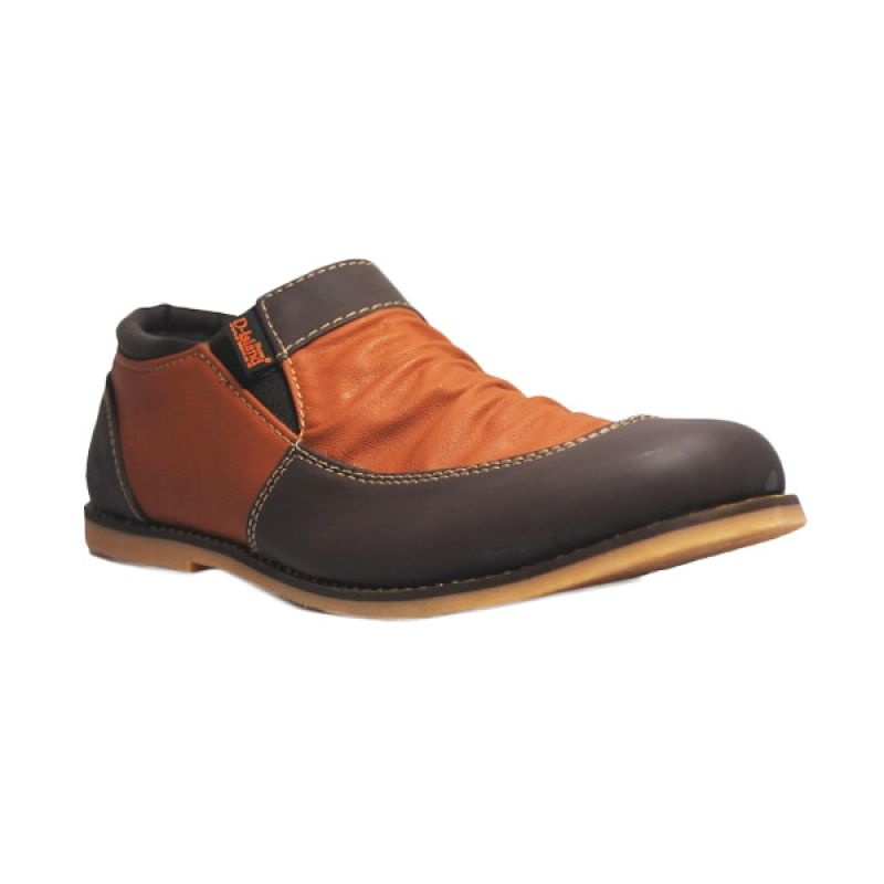 D-Island Slip On Vintage Wrinkle Leather Brown Sepatu Pria