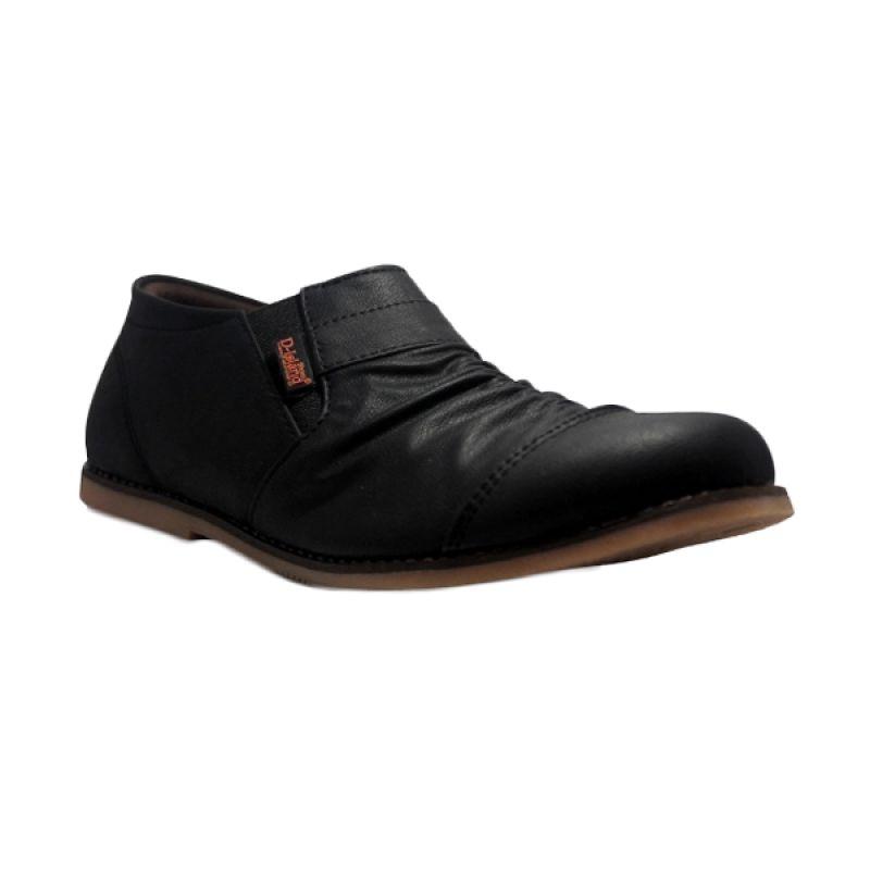 D-Island Slip On Wrinkle High Qualty Leather Black Sepatu Pria