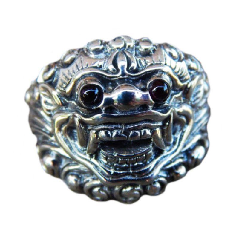 Jnanacrafts Ukir Barong Garnet Cabuchon Silver Cincin