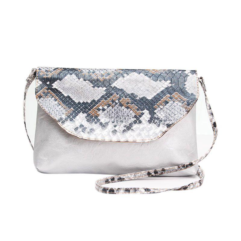 Kadomikado Pular Silver Clutch Bag