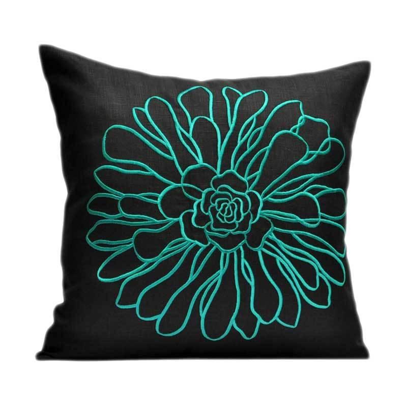 Kainkain Black Chrysant Pillow Cover