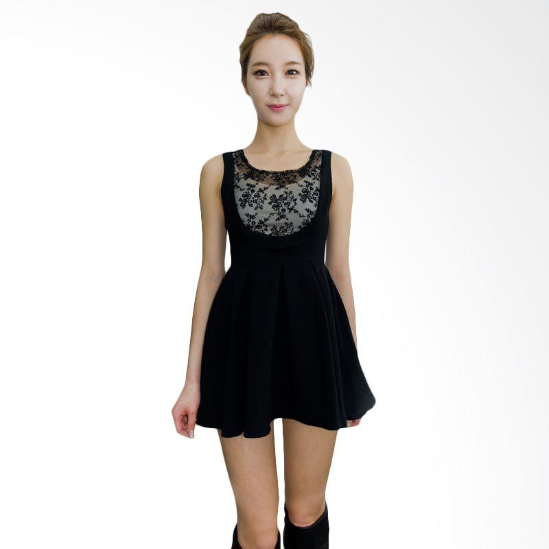 Kakuu Basic Dress Chest Embroidery Flare Black