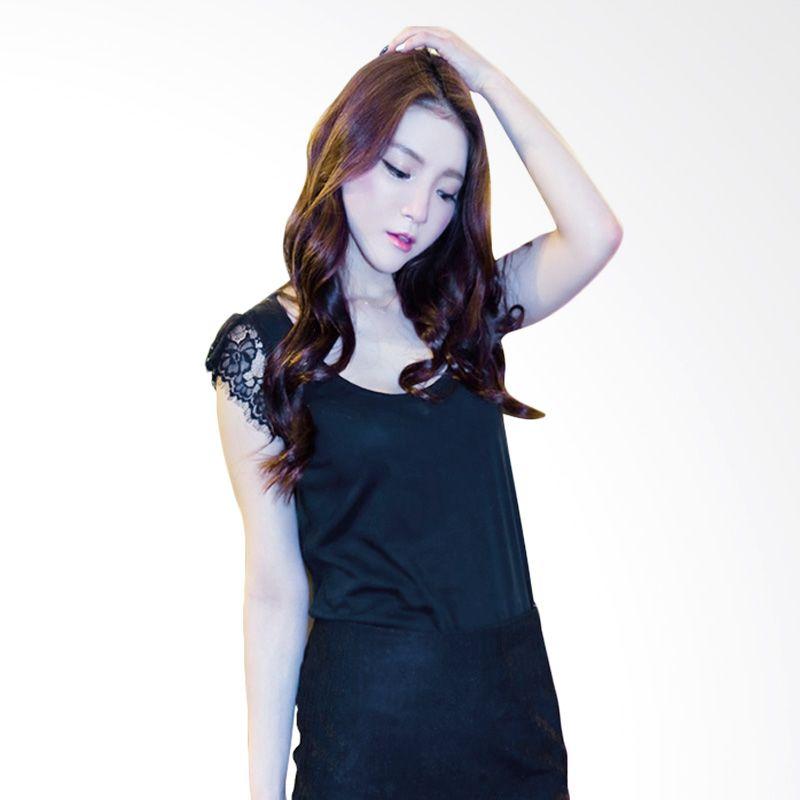 Kakuu Basic Laced Sleeve Black T-shirt Wanita