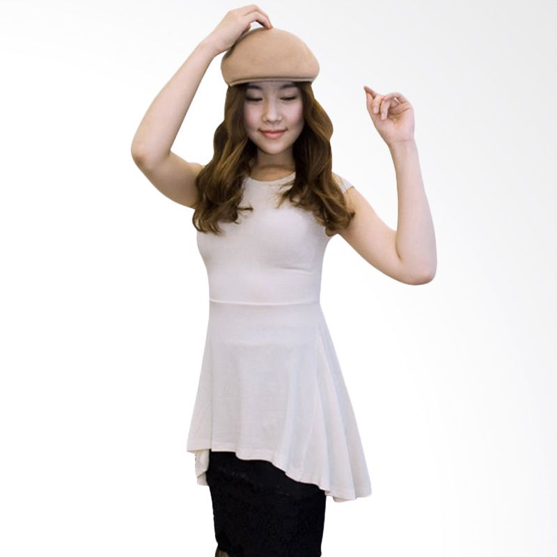Kakuu Basic Pad Shoulder Flare Cream T-shirt Wanita
