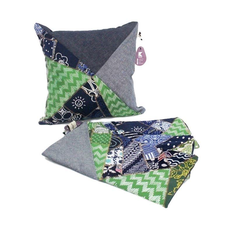Kraviti Sarung Bantal Kursi Hijau Triangle Design