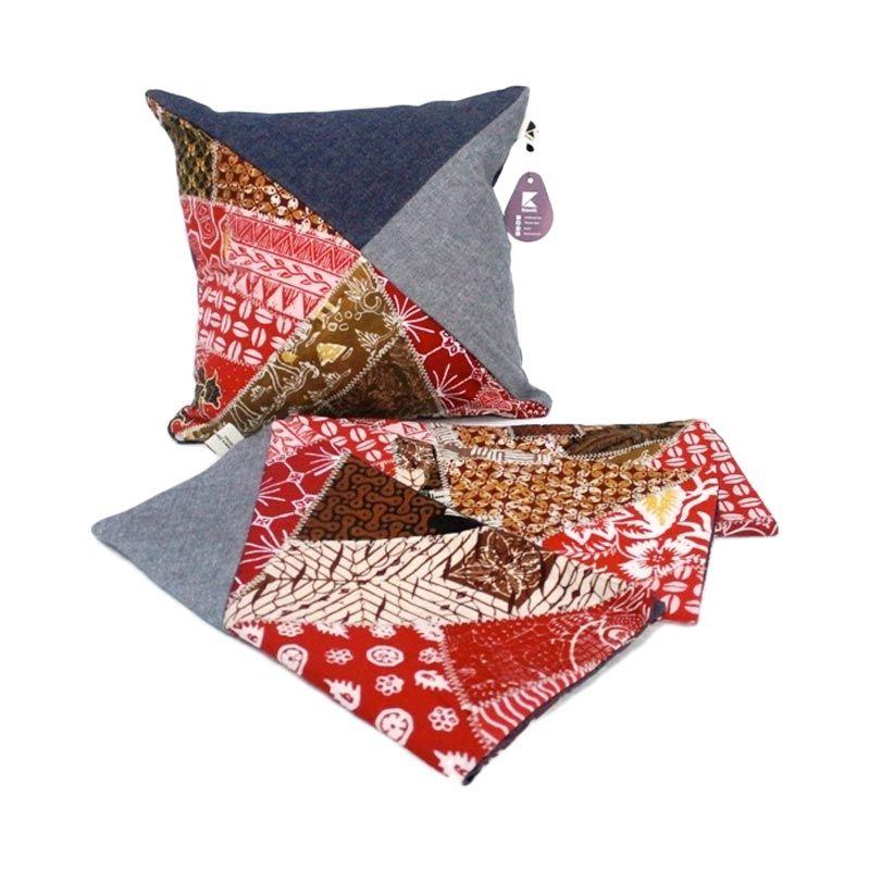 Kraviti Sarung Bantal Kursi Merah Coklat Triangle Design