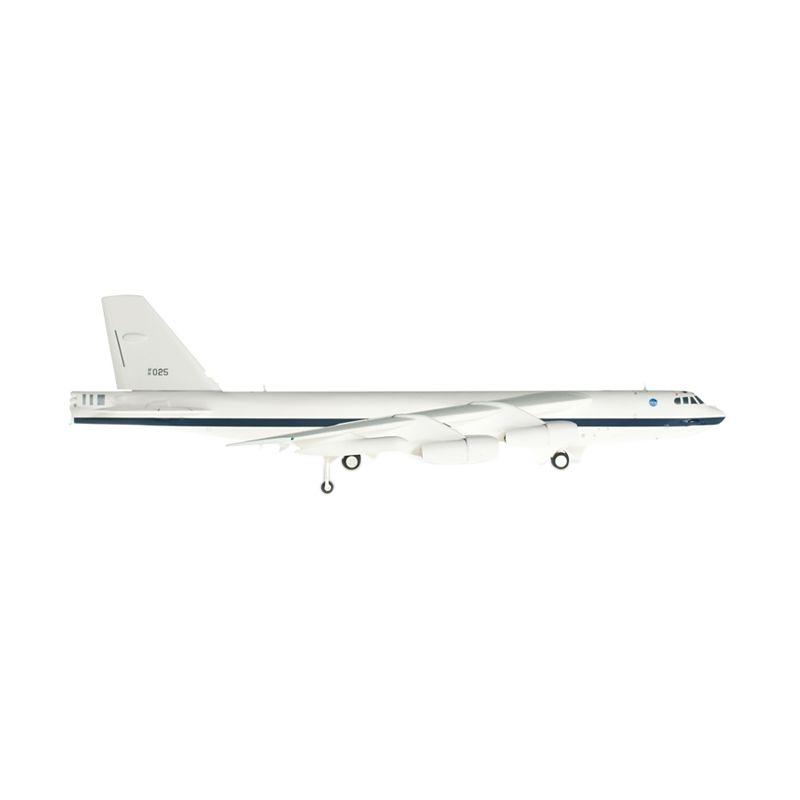 Herpa Nasa Dryden Research Center Boeing Nb-52H Stratofortress Diecast [1:200]