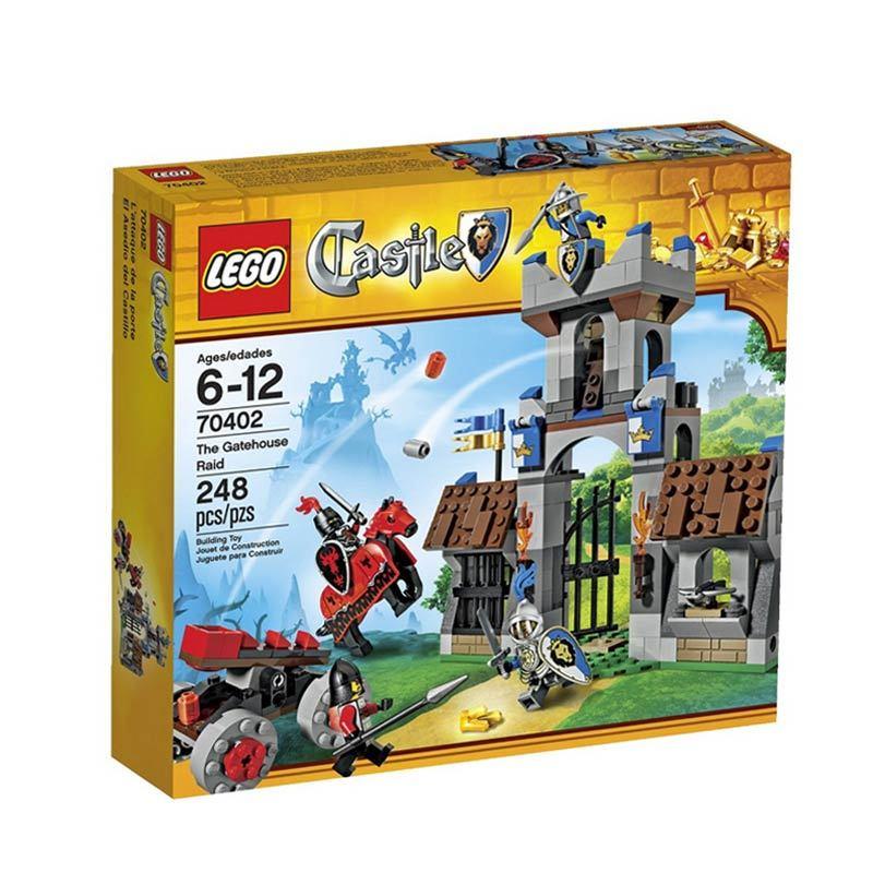 LEGO The Gatehouse Raid 70402 Mainan Anak