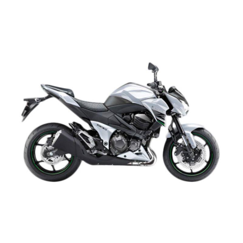 Kawasaki Z800 White Sepeda Motor [DP 75.000.000]