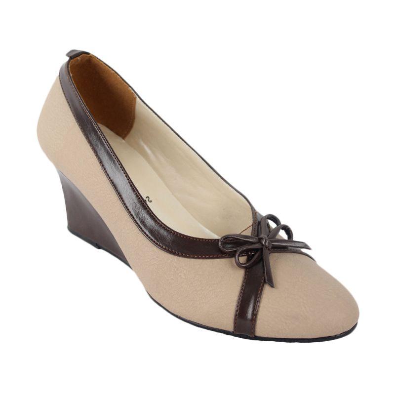 Catenzo Heels Casual Heels Creamy Sepatu Wanita