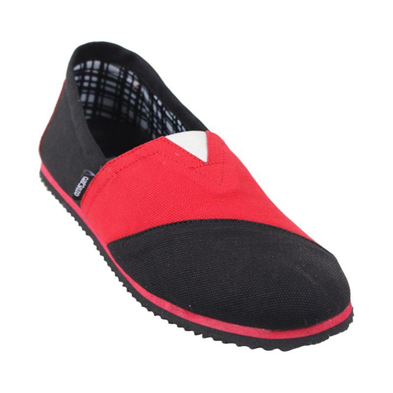 Catenzo Slip On Mix Red Black Sepatu Pria