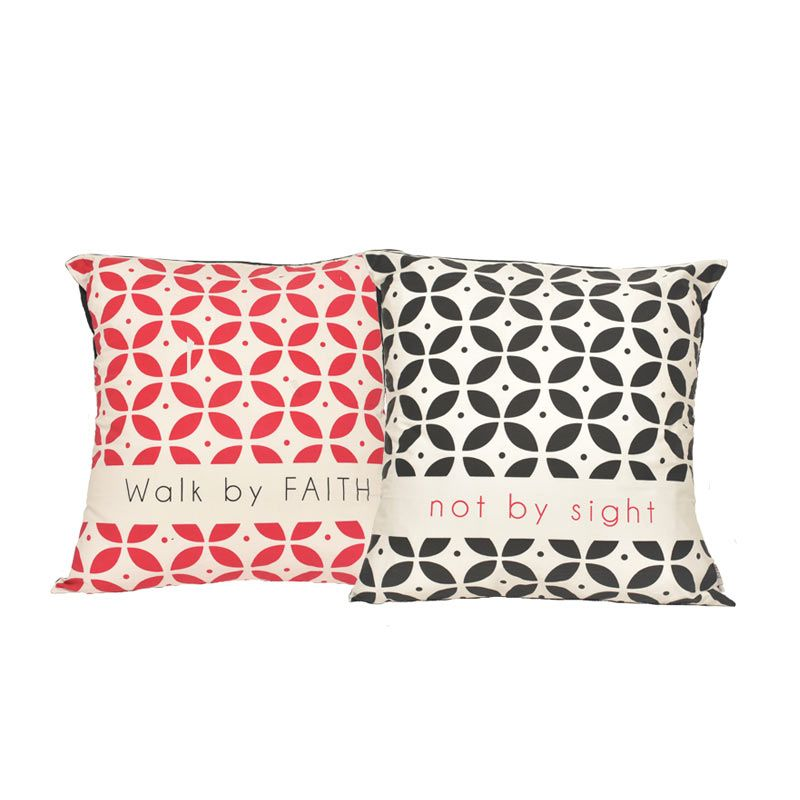 Insight-Unlimited Walk By Faith By Sight Merah Hitam Sarung Bantal