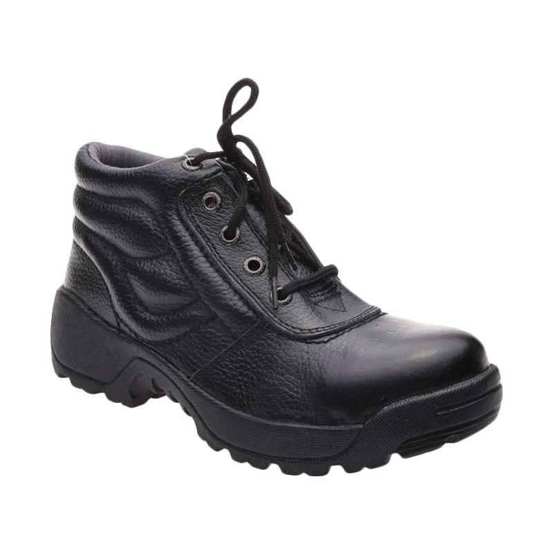 Formen SPT 039 Black Sepatu Pria