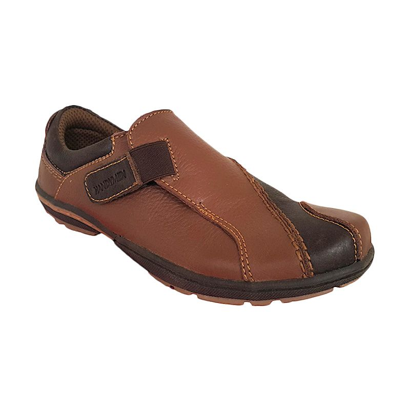 Handymen JGR 11 Milk Brown Sepatu Pria