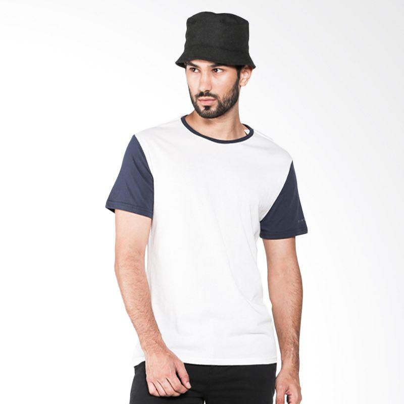 Rip Curl Plain CTEJX1-1513 White/Navy Kaos Pria Extra diskon 7% setiap hari Citibank – lebih hemat 10% Extra diskon 5% setiap hari