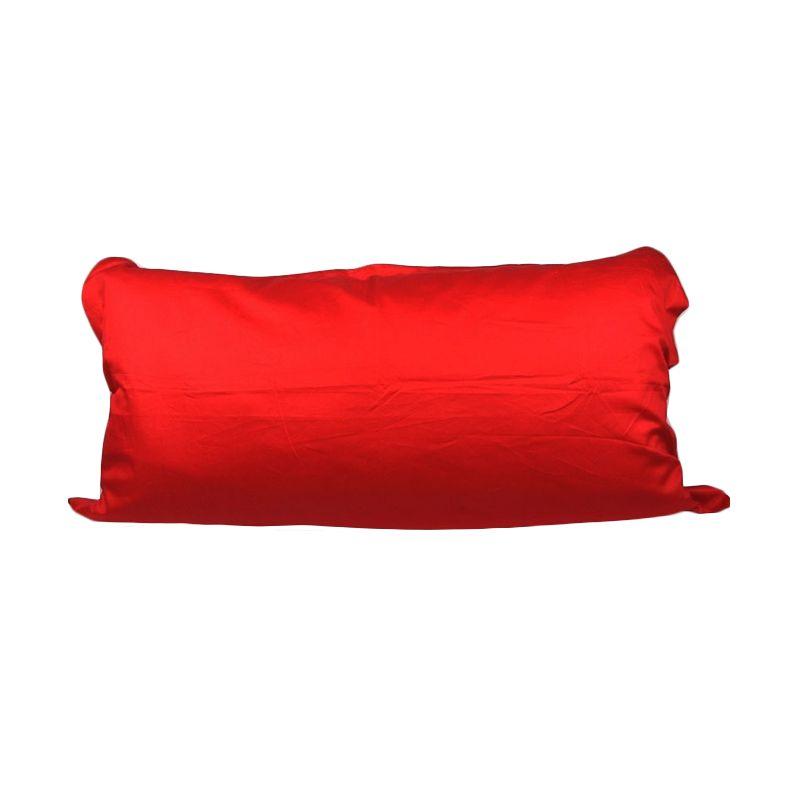 Sleep Buddy Red Lips Sarung Bantal [50x100 cm]