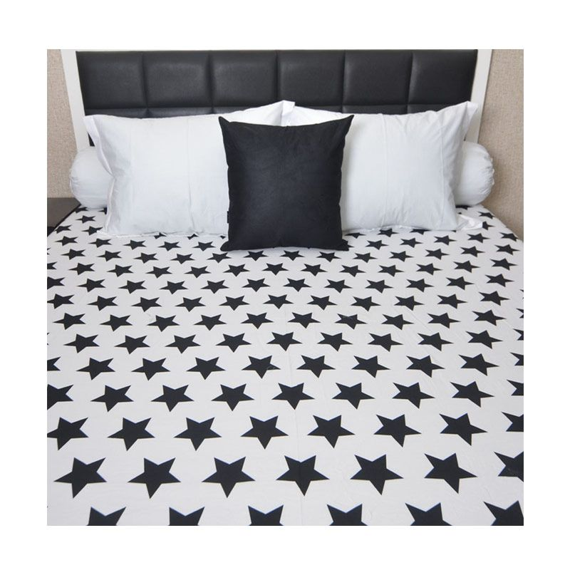 Sleep Buddy Star Black White Sprei