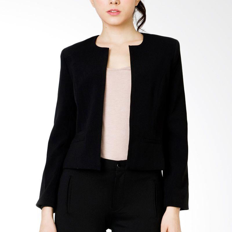 The Executive BZC-107-5114-15 Black Blazer Wanita