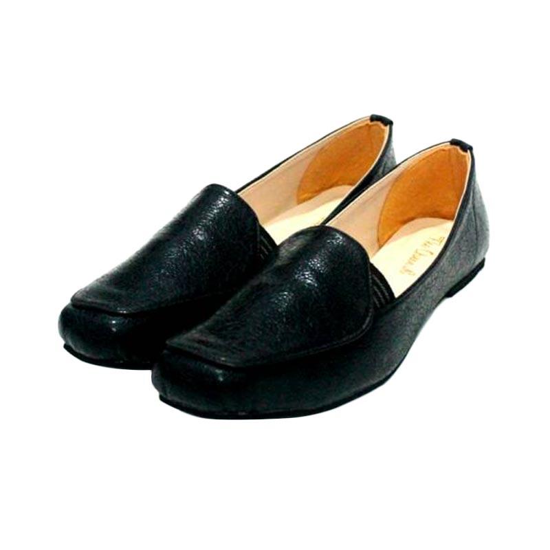 The Queen Lacoste Sepatu Wanita - Black
