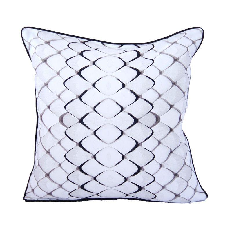 harga VIVERE Pangolin Skin Whibla Cushion Cover [45 x 45 cm] Blibli.com