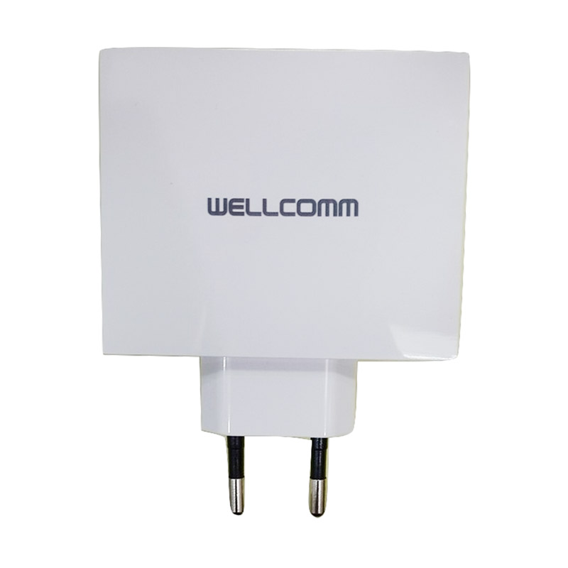 Wellcomm Adaptor Charger - Putih [4 Port/Real Output 4.2A]
