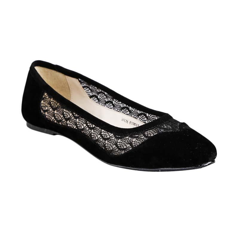 Jual Yongki Komaladi Sfcn 810015 Sepatu Wanita Hitam Online Juni 2020 Blibli Com