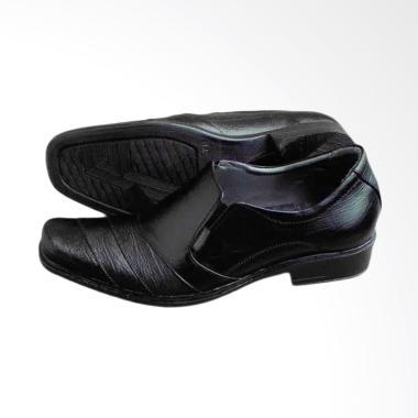 Kickers Kulit Sepatu Pria - Hitam