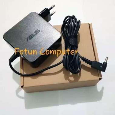 harga Adaptor Charger Laptop Asus W15-065N1B 19V 3.42A 4.0x1.35mm hitam Blibli.com