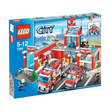 LEGO 7945 City Fire Station Blocks & Stacking Toys [Damaged 90%]