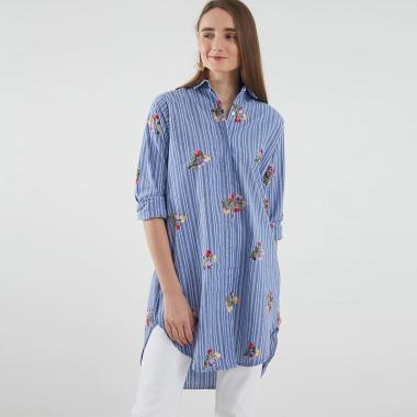 harga Berrybenka Carsey Floral Embroidery Shirt Kemeja Wanita - Blue Blibli.com