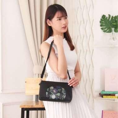 harga Terbaru ATS08 Tas Selempang Korea Wanita Kulit PU Luxurious Flower Leather Limited Blibli.com